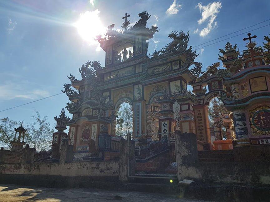 an bang tombs Vietnamese Grit Tour