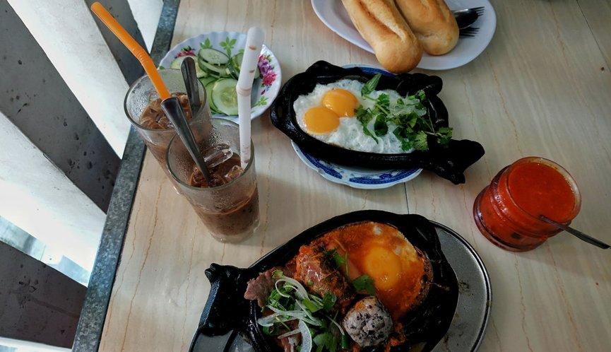 breakfast in Hue