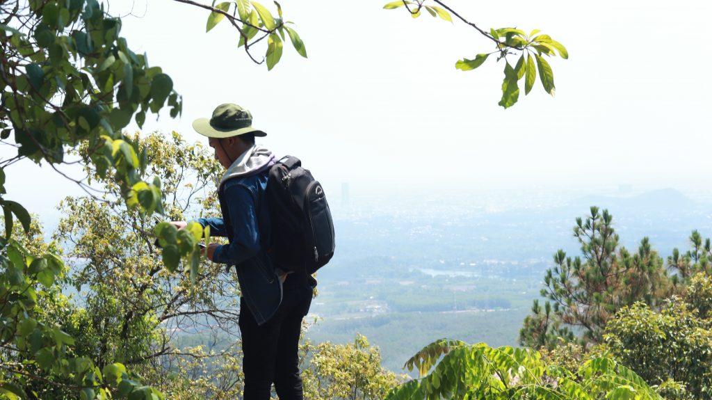 go down the mountain
